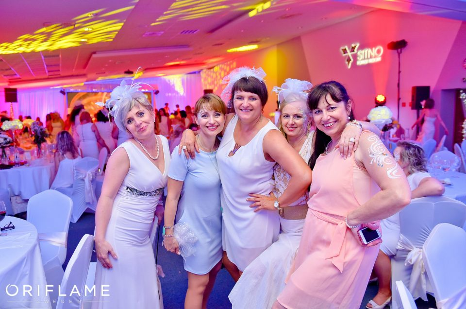 Oriflame – Gala – White Night